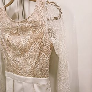 Tobi White and beige lace romper